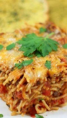 Bobby Deen's Baked Spaghetti - sub meatless crumbles & veg cheeze Baked Spaghetti Recipe Paula Deen, Spaghetti Recipes, Pasta Recipes, Dinner Recipes, Cooking Recipes, Baked Spaghetti Pie, Lasagna Recipes, Dinner Ideas, Beef Dishes