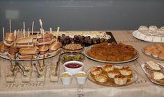 Puesto hazte tu propio perrito, croquetas de jamón, vasitos de foi con cebolla caramelizada...esto y mucho más en nuestro catering