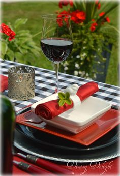 Dining Delight: Summer Tablescape in Red, Black & White White Buffet Table, White Table Top, Outdoor Buffet, Summer Table Decorations, Outdoor Birthday, Red And White, Red Black, Summer Picnic, Black Decor