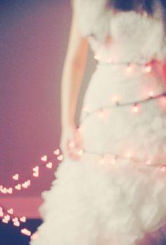 swansong-willows:  (via Pink, Snowy Winter Wedding Inspiration Shoot)