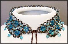 Kronleuchterjuwelen Glasperlenschmuck - Perlenspitzen-Halsband in Blautönen