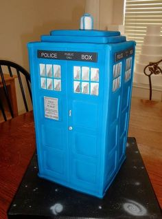TARDIS cake (it's bigger on the inside)