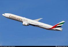 A6-ENY Emirates Boeing 777-31H(ER)