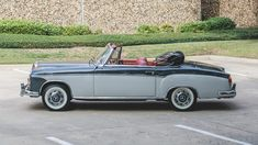 1960 MERCEDES-BENZ 220SE CABRIOLET. Credit: Mecum Auctions