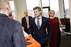 During the opening Crown Prince Frederik met with the staff at the new school in the Danish city of Aalborg.