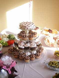 Polka Dot Cake & Cupcakes
