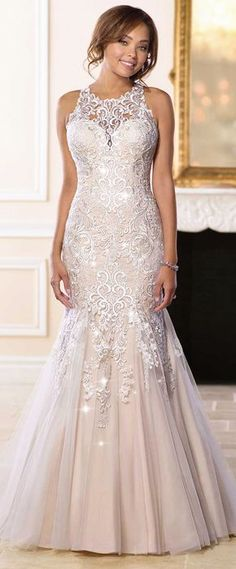 Wonderful Tulle Jewel Neckline Mermaid Wedding Dress With Lace Appliques