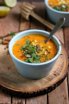 Carrot soup with ginger. In Dutch, and so beautiful! Pureed Food Recipes, Veggie Recipes, Soup Recipes, Vegetarian Recipes, Cooking Recipes, Healthy Recipes, I Love Food, Good Food, Carrot Soup