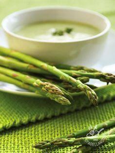 Velvety asparagus - Per la vostra Vellutata agli asparagi verdi potete usare anche gli asparagi selvatici, meno costosi e altrettanto gustosi e delicati! #vellutataagliasparagi