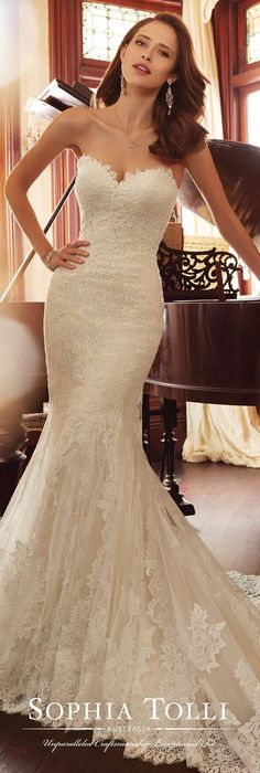 awesome 89 Simple but Beautiful Strapless Wedding Gown Ideas Trends 2017 http://www.lovellywedding.com/2017/10/13/89-simple-beautiful-strapless-wedding-gown-ideas-trends-2017/