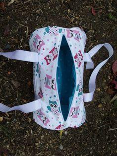 Kylie Jenner's ski fashion - Everything About Women's Diy Sac, Diy Bags Purses, Crochet Shell Stitch, Easy Crochet Projects, Crochet Handbags, Purse Patterns, Sewing Accessories, Duffel Bag, Ski Fashion
