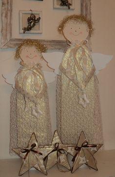 Andělé - 60 cm a 50 cm karton, papír Christmas Crafts, Christmas Ornaments, Advent, Craft Ideas, Holiday Decor, Paper Board, Christmas Jewelry, Christmas Decorations, Christmas Decor