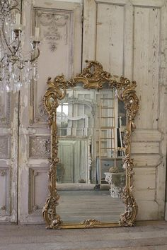 SALE Century Giltwood French Mirror from Full Bloom Cottage Casas Shabby Chic, Shabby Chic Interiors, Shabby Chic Decor, Parisian Chic Decor, French Decor, French Country Decorating, French Interior, Scandinavian Interior, Spiegel Design
