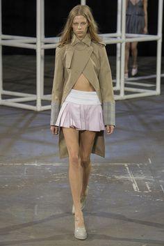 Alexander Wang Spring 2014 Ready-to-Wear Fashion Show - Lexi Boling
