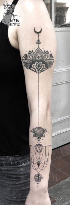 Love minimalist sleeves
