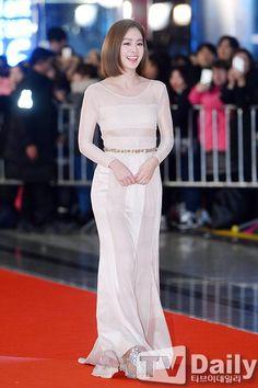 Evening Dresses, Prom Dresses, Formal Dresses, Namgoong Min, Kim Rae Won, Kim Tae Hee, Yoo Ah In, Korean Actresses, Korean Celebrities