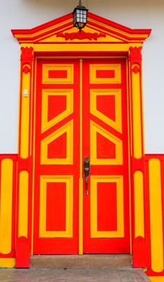 Door in Salento - Quindío - Colombia Door Entryway, Entrance Doors, Doorway, Cool Doors, Unique Doors, Monuments, Door Detail, Shutter Doors, Portal