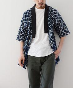 Jumpsuits and Overalls Were Popular Among Showgoers At New York Fashion Week: Men's Clothing Booth Display, Japan Fashion, Mens Fashion, Rare Clothing, Male Kimono, Mens Designer Shirts, Batik Fashion, Couture Details, Japanese Street Fashion