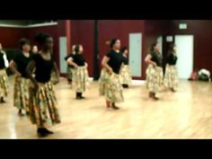 Hula Steps Practice - Warm-ups Hawaiian Hula Dance, Hawaiian Theme, Luau Crafts, Polynesian Dance, Music Courses, Hula Dancers, Dance Fashion, Best Youtubers, World Music