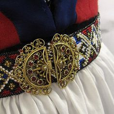 The belt that Ingrid beaded herself for her bunad. Take That, Norway, Belts, Beading, Accessories, History, Fashion, Outfits, Moda