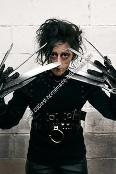 edward scissorhand speech Edward sicssorhands(1990) edward scissorhands (1990) is a romantic fantasy film directed by tim burton it is a story of an unfinished artificial man with scissors as hands named edward who falls in love with kim, which is the daughter of one of the town's family that took edward in.