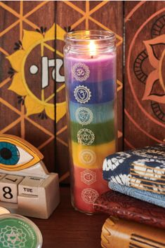 Chakras Spiced Citrus Prayer Candle is a glass candle handmade with paraffin wax featuring seven colors representing the seven chakras. Handmade Candles, Diy Candles, Design Candles, Chakras, Chakra Symbols, Candle Magic, Glass Candle, Candle Art, Plexus Products