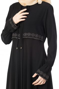 Girls Fashion Clothes, Teen Fashion Outfits, Fashion Dresses, Moslem Fashion, Modele Hijab, Mode Abaya, Hijab Fashionista, Hijab Style, Pakistani Dresses Casual
