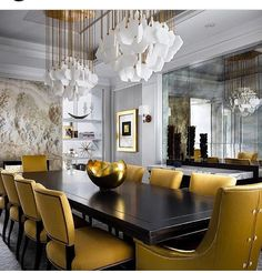A dining room decor to make your guests feel envy! Grab the best dining room decor ideas to make your dining room design be the best when it comes to modern dining rooms designs. A best of when it comes to interior design ideas. Elegant Dining Room, Luxury Dining Room, Beautiful Dining Rooms, Dining Room Sets, Dining Room Design, Dining Room Furniture, Dining Tables, Furniture Design, Room Chairs