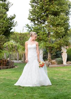 Bride, Photography by L&G images, NZ wedding photographers. Markovina Vineyard Estate.