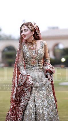 wedding makeup asian wedding makeup asian Best Wedding Makeup Asian P. Pakistani Bridal Couture, Pakistani Bridal Lehenga, Pakistani Bridal Makeup, Pakistani Wedding Outfits, Bridal Outfits, Indian Bridal, Pakistani Dresses, Walima, Sabyasachi