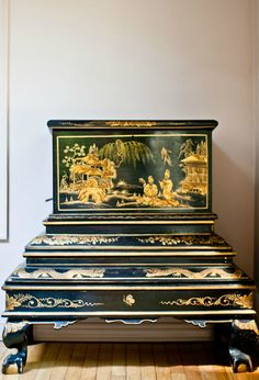 Chinoiserie Chic: Property of a Lady