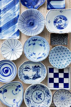 Blue inspiration from this Japanese tableware. #colour