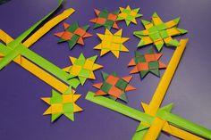 Matariki star weaving at Hornby Art Ideas For Teens, Crafts For Teens, Arts And Crafts, Teen Crafts, Flax Weaving, International Craft, Food Art For Kids, Holiday Program, Nz Art