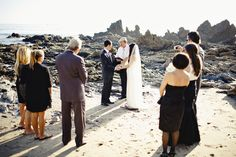 Small beach wedding - this looks amazing!