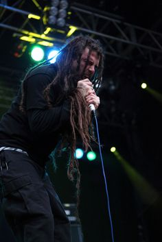 Chris Barnes, original singer of cannibal corpse.. but i like him way better in six feet under!