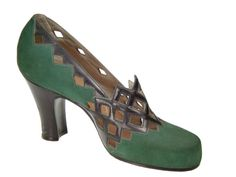 Shoe, Sarkis Der Balian, 1940-1945. green shoes pumps lattice work black leather accents heels 40s war era swing vintage fashion style