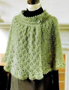Crochet Cape Pattern, Poncho Crochet, Beau Crochet, Pull Crochet, Crochet Scarves, Crochet Clothes, Crochet Lace, Crochet Stitches, Crochet Patterns