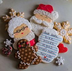Christmas biscuits - I love the Santa list one! From Doughmestic Housewife Holiday Cookies Christmas Sugar Cookies, Christmas Sweets, Christmas Cooking, Noel Christmas, Christmas Goodies, Holiday Cookies, Holiday Treats, Gingerbread Cookies, Holiday Recipes