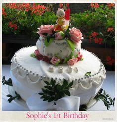 Sophie's first Birthday cake http://mystylemyeveryday.blogspot.com/2013/11/tort-na-roczek-zosi-sophies-first.html