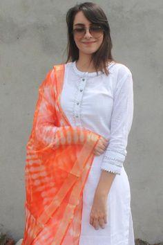 Kurti sleeves design - White Gota Kurti with Orange Tie & Dye Organza Dupatta Neck Designs For Suits, Dress Neck Designs, Blouse Designs, Churidhar Designs, Kurti Sleeves Design, Kurta Neck Design, Kurta Designs Women, Salwar Designs, Kurti Designs Pakistani