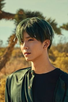 Top 5 Hairstyles Of HwiYoung Neoz School, Gay Best Friend, Sf9 Taeyang, Kim Young, Kpop Backgrounds, Kpop Hair, Blonde With Pink, Sf 9, Boys Long Hairstyles