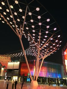 Diagrid with LED's
