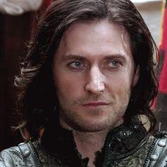 "Richard Armitage as Sir Guy of Gisbourne in BBC's 'Robin Hood"" (gif)"