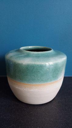 Vaasje - glazuur met koper; geeft een groenblauwe kleur