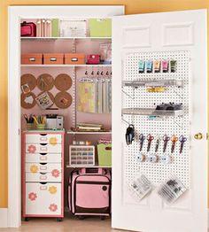 Un espacio de trabajo en un armario, me parece una idea genial