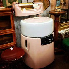 wowsers .... like new vintage pink washing machine !