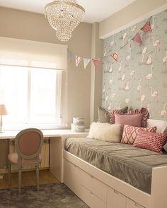Branco + cinza + rosa em uma linda combinação para quarto de menina. Destaque…