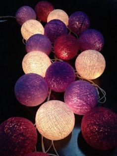 Guirnalda de luces LED, bolas de algodón tonos de violeta, la case de, interior, decoración del dormitorio