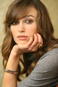 Faces So Beautiful It Hurts - Keira Knightley Keira Knightley Hair, Keira Christina Knightley, Elizabeth Swann, Stars D'hollywood, Divas, Metzger, English Actresses, Hollywood Actor, Jennifer Connelly