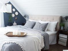 For the love of interior - Hemma hos cathrinesjovik Attic Master Bedroom, Attic Bedrooms, Blue Bedroom, Bedroom Inspo, Bedroom Decor, New Room, New Homes, Decoration, Interior